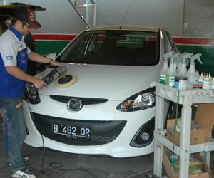 tips-merawat-mobil-warna-putih